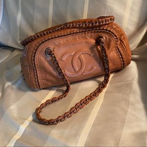 Chanel Luxe Ligne Bowler